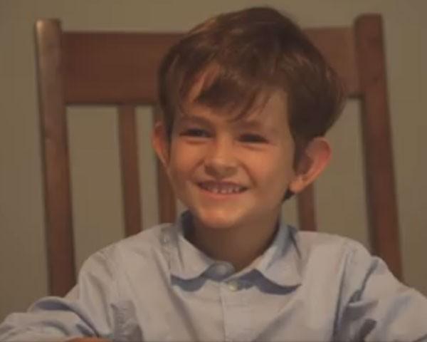 Alex, de 6 anos, escreveu ao presidente Barack Obama (Foto: Reprodução Youtube)