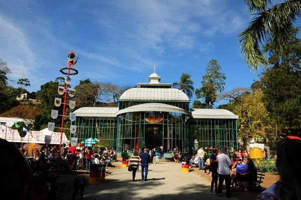 Maior parte da programação acontece nos arredores do Palácio de Cristal