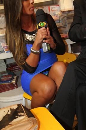 Nicole Bahls em lançamento de livro no Rio (Foto: Anderson Borde/ Ag. News)