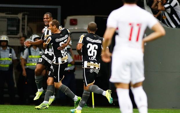 Andre Bahia gol Botafogo x São Paulo (Foto: Getty Images)