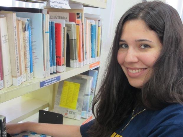 Caroline quer fazer Engenharia Química para trabalhar em uma indústria de sabão (Foto: Mariane Rossi/G1)