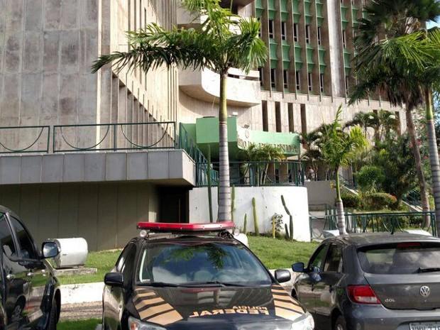 Nove pessoas foram presas em cumprimento a mandados de prisão temporária (Foto: Douglas Pinto/TV Mirante)