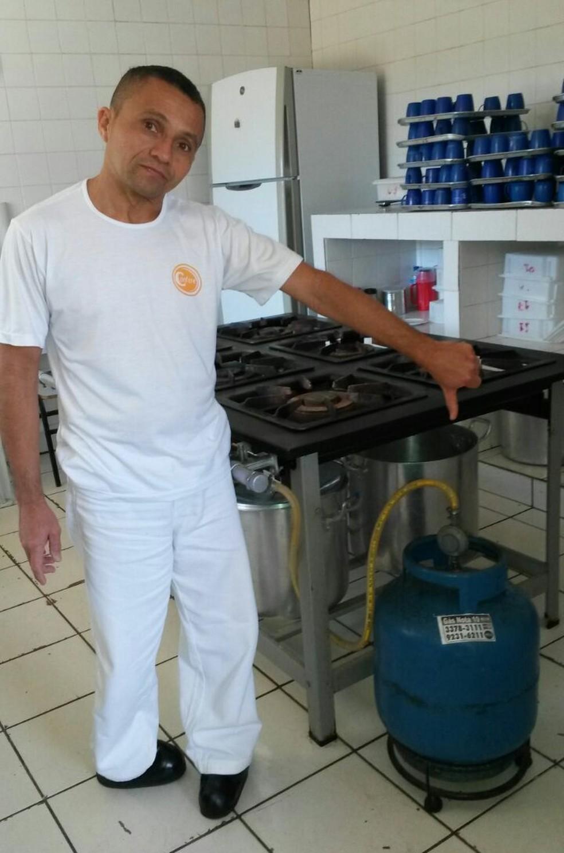 Último botijão de gás da Escola Classe 45, na Ceilândia, acabou nesta segunda (17) (Foto: Arquivo Pessoal)