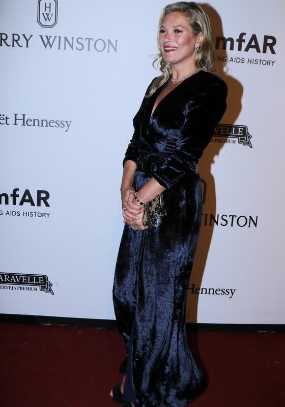 Kate Moss é uma das veteranas quando o assunto é a noite que o empresário Dinho Diniz promove em benefício das pesquisas da cura da Aids (Foto: AG. News)