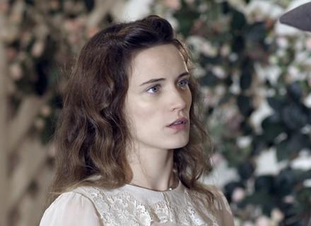 Maria recebe declaração de Fabio e Celso flagra o clima de romance