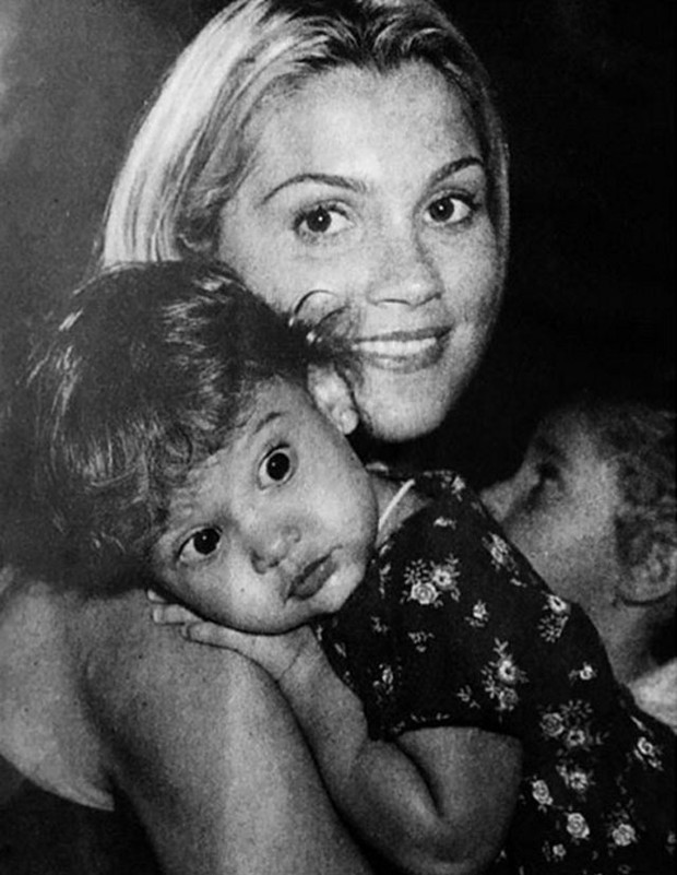 Flávia Alessandra mostra Giulia Costa ainda criança (Foto: Reprodução/Instagram)