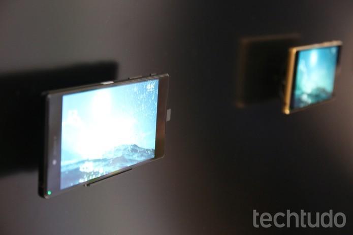 Xperia Z5 Premium tem tela de resolução 4K e preço de iPhone (Foto: Fabrício Vitorino/TechTudo)