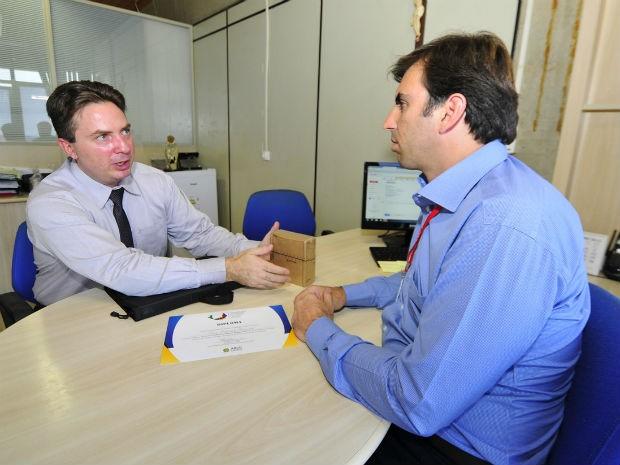 Luiz Eduardo Cavedal e o secretário Cristiano Lopes (Foto: Fotógrafos PMJ)