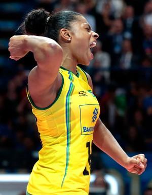 Brasil x Itália vôlei feminino - Fê Garay  (Foto: AP)