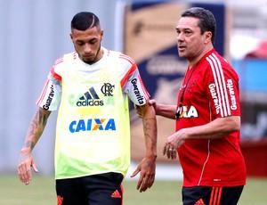 Vanderlei Luxemburgo no treino do Flamengo (Foto: Cezar Loureiro / Agência O Globo)