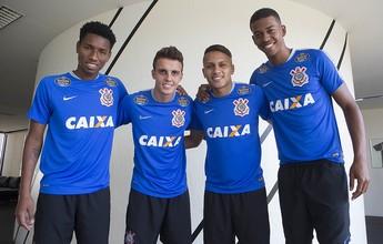 Trio de garotos do time sub-20 inicia treino no Corinthians; meia trata lesão