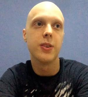 Alisson gremista com câncer Internacional solidariedade Leonardo (Foto: Reprodução/Youtube)
