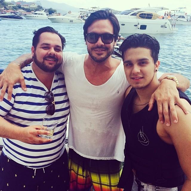 Gustavo Mendonça e Luan Santana com amigo (Foto: Reprodução/Instagram)