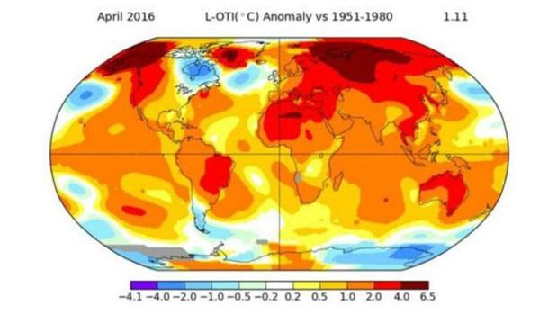 As regiões em vermelho mostram os locais onde a temperatura subiu mais no mês passado (Foto: BBC/Nasa)