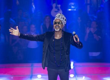 Carlinhos Brown anima domingo de carnaval no 'The Voice Kids'