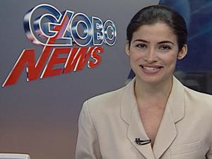 Renata Vasconcellos na bancada da GloboNews (Foto: GloboNews / Reprodução)