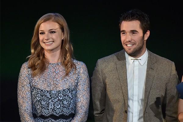 Emily VanCamp e Josh Bowman (Foto: Getty Images)