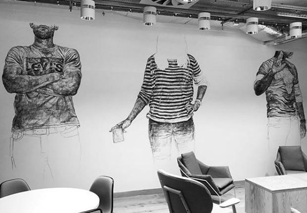 Pintura em carvão da artista Barbara Walker na nova sede do Facebook em Londres (Foto: Reprodução/Instagram)