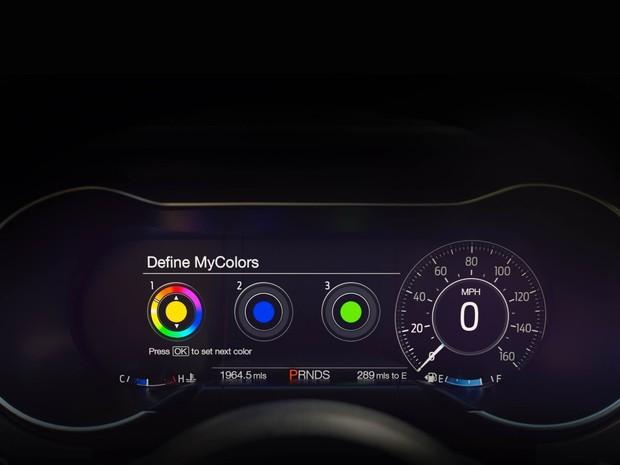 Quadro de instrumentos digital do Ford Mustang (Foto: Divulgação)