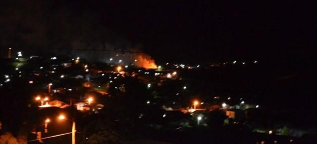 Incêndio podia ser visto de longe (Foto: Dionata Costa/São Joaquim Online)