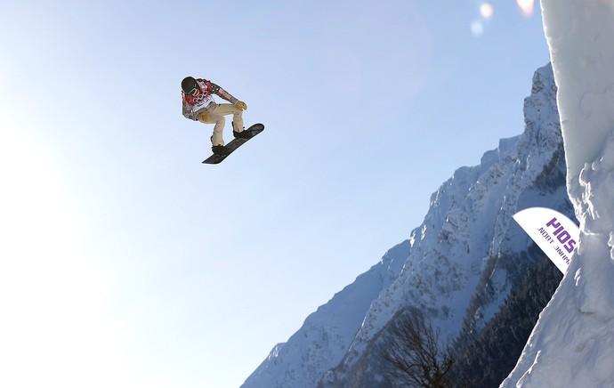 Shaun White treino snowboard em Sochi (Foto: AP)