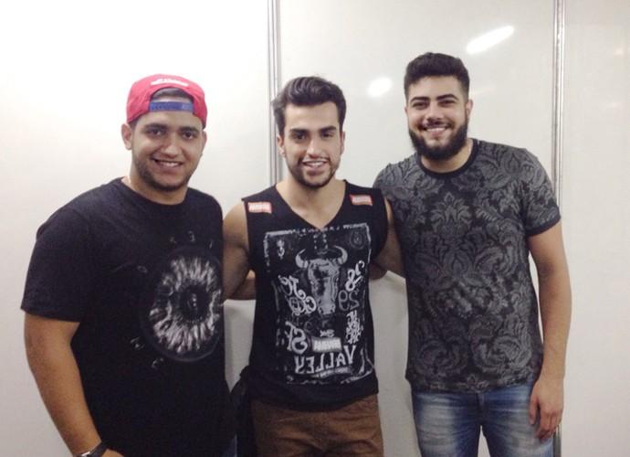 Matteus nos bastidores do show de Henrique e Juliano (Foto: Arquivo pessoal)