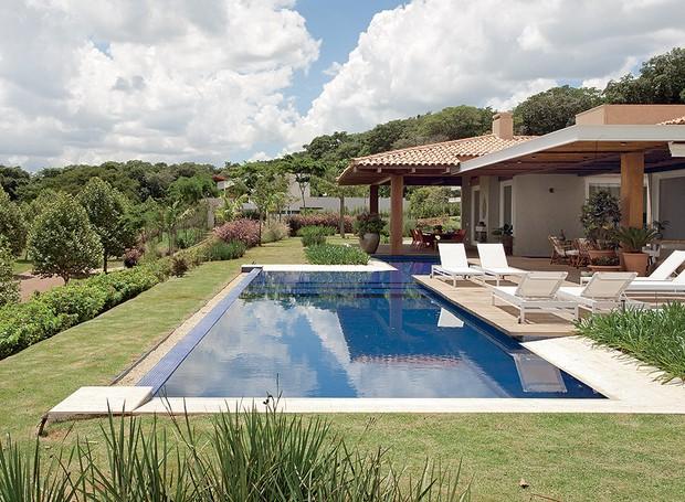 piscina-paisagismo-Sérgio-Menon-e-Caterina-Poli (Foto: Pedro Abude/Editora Globo)