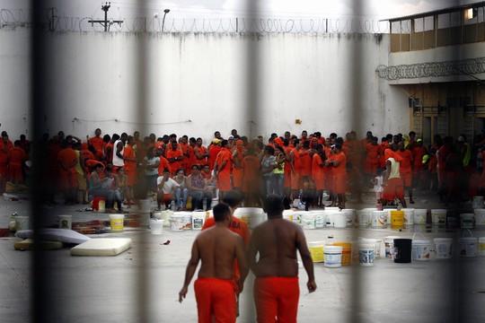 Rebelião em presídio na Bahia (Foto: Luiz Tito/Ag. A Tarde/Folhapress)