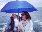 Luiza Brunet passeia de lancha em Portofino, na Itália