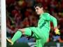 """Courtois critica tática belga e chama revés de """"maior decepção da carreira"""""""