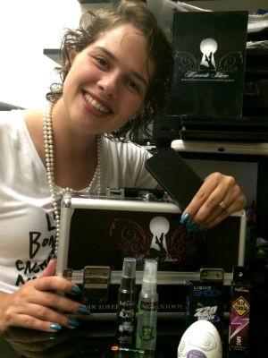 Jenifer Zimmer, empresária que administra um sex shop por Whatsapp no DF (Foto: Arquivo pessoal)