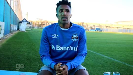 """Titular, Cortez atinge melhor fase da vida e se derrete ao Grêmio: """"Recebi carinho"""""""