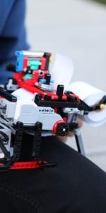 Garoto fala de impressora braile de Lego (Divulgação/Willian Alves/Campus Party)