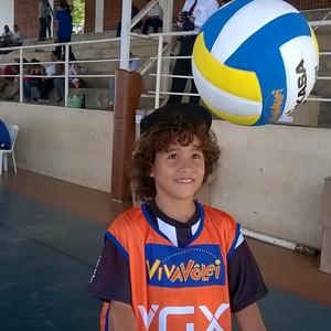 Marcos Vinícius, de 10 anos, afirma querer ser jogador profissional de vôlei. (Foto: Valdivan Veloso/globoesporte.com)