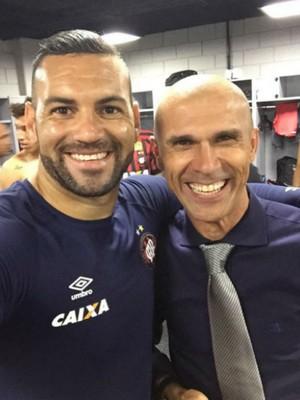 Weverton Milton Mendes Atlético-PR (Foto: Reprodução/ Instagram)