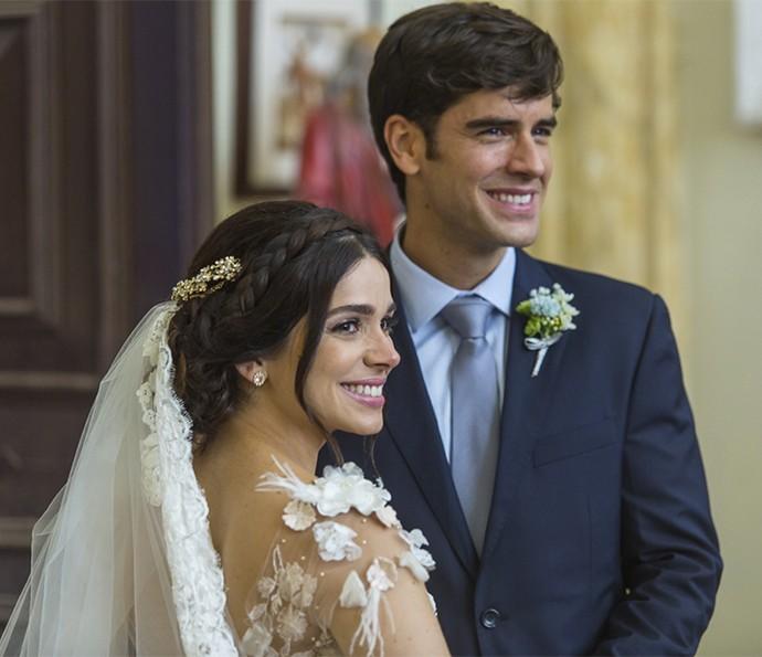 Olha que fofos os dois emocionados após o 'sim!!! (Foto: Artur Meninea/Gshow)