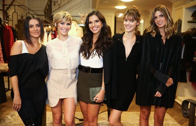 Da esquerda para a direita: Cleo Pires, Isabella Santoni, Mariana Rios, Laura Neiva e Anna Fasano (Foto: Divulgação)