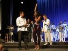 Vídeo: Cris Vianna discursa sobre preconceito em evento de samba