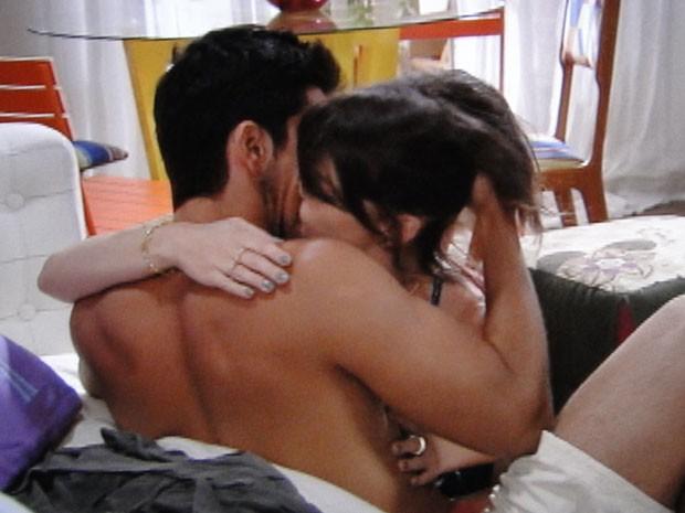Esse flashback entre Bruno e Ana está fervendo. Será que eles voltam? (Foto: Malhação / Tv Globo)
