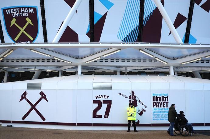 payet no painel do estádio olímpico de londres, west ham (Foto: Bryn Lennon/Getty Images)