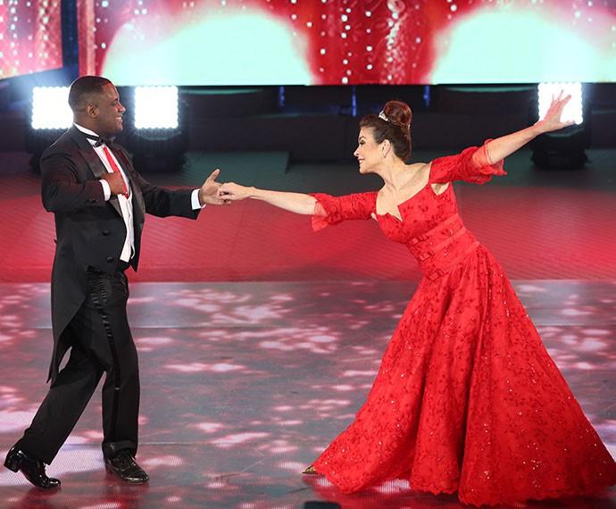 Françoise Forton e Patrick Oliveira se emocionam durante apresentação no 'Dança' (Foto: Carol Caminha/Gshow)