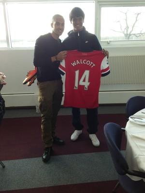 Matheus Índio e Walcott Arsenal (Foto: Divulgação)