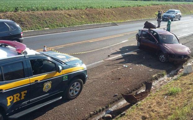 Carro capotou e uma pessoa morreu em Passo Fundo (Foto: Divulgação/PRF)