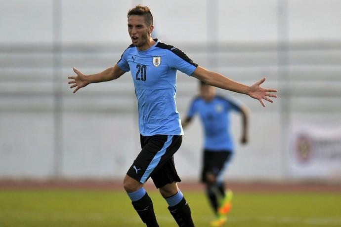 Rodrigo Bentancur, Uruguai x Bolívia, sul-americano sub-20 (Foto: JUAN CEVALLOS / AFP)