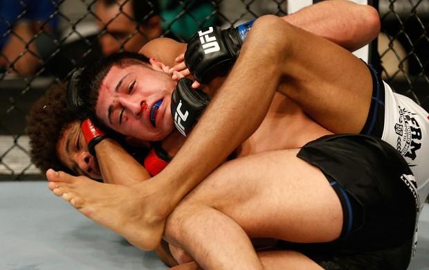 UFC Alex Caceres e Sergio Pettis (Foto: Agência Getty Images)
