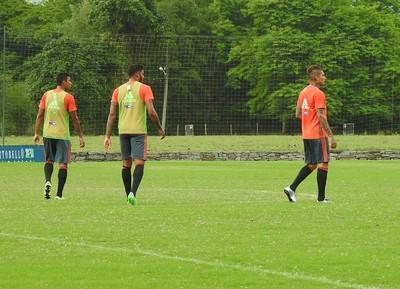 Guerrero marcou um gol no treino desta tarde (Foto: Fred Gomes/GloboEsporte.com)