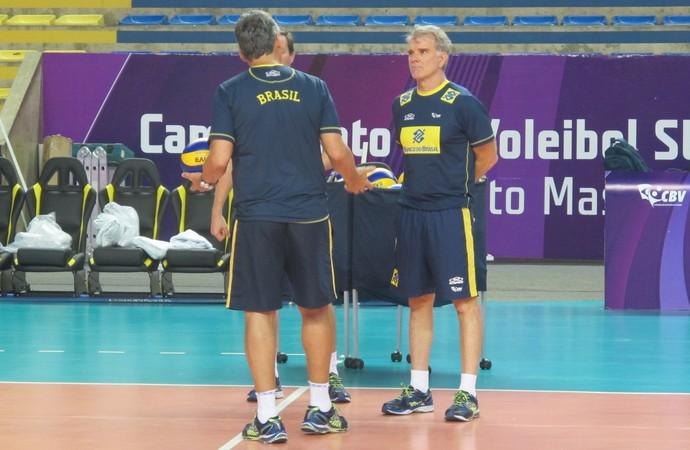 Treino seleção brasileira vôlei maceió sul-americano - bernardinho (Foto: Marcello Pires)