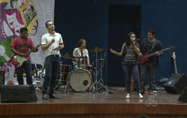 Bandas se apresentando no Festival Cultural do Amapá (Foto: Reprodução/TV Amapá)