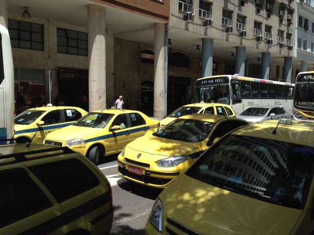 Alterações no Centro do Rio mudam rotina de taxistas (Foto: Mariúcha Machado/G1)