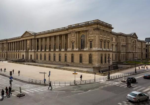 Vista do apartamento para o Louvre (Foto: Divulgação)
